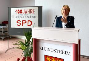 Auch die SPD-Unterbezirksvorsitzen Martina Fehlner MdL sprach ein Grußwort