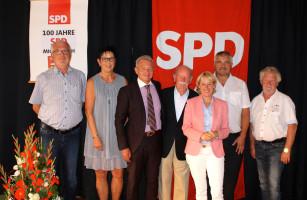 Zu einem Ehrenabend lud der SPD-Ortsverein Alzenau-Michelbach seine Mitglieder sowie interessierte Bürgerinnen und Bürger ins Michelbacher Schlösschen ein, um gemeinsam das 100-jährige Vereinsjubiläum zu feiern.