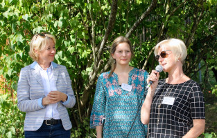 Kristina Neuendorf, Christine Fleckenstein und MdL Martina Fehlner, Schirmherrin des Kinderschutzbundes Aschaffenburg, stellten im Rahmen des Benefizfestes auch die unterschiedlichen Projekte des Vereins vor