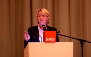 Die Vorsitzende des SPD-Unterbezirks Martina Fehlner MdL