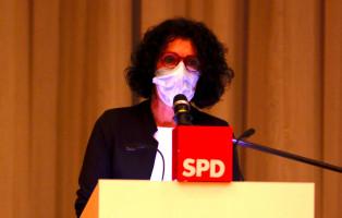 Souverän hatte die Leiterin der SPD-Geschäftsstelle Helga Raab-Wasse die Sitzung vorbereitet.
