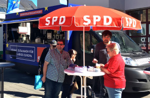 Hier gab es für die Bürgerinnen und Bürger die Möglichkeit, sich ungezwungen und in lockerer Atmosphäre über die sozialdemokratischen Themen zur Europawahl auszutauschen