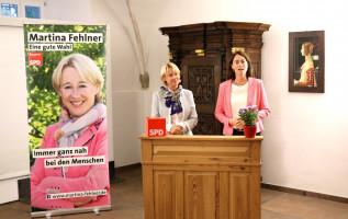 Katarina Barley zu Gast in der ehemlaigen Kürfürstlichen Schneiderei in Aschaffenburg