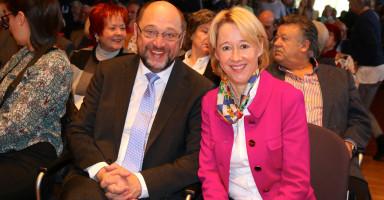 MdL Martina Fehlner mit Gastredner Martin Schulz