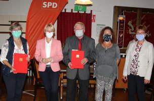 Die Ehrungen übernahm Martina Fehlner gemeinsam mit der stellvertretenden Vorsitzenden des Ortsvereins Andrea Schäfer.
