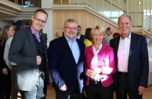 Andreas Schneider vom SPD-Ortsverein Damm sowie die Stadträte Wolfgang Giegerich und Walter Roth
