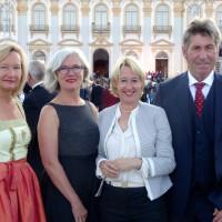 Die Vorstandschaft des Aschaffenburger Tierschutzvereins war auf Einladung von MdL Martina Fehlner zu Gast beim Sommerempfang des Bayersichen Landtags